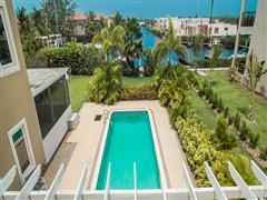 !!! REDUCED CANAL FRONT 4 BED + DEN FAMILY HOME- CRYSTAL HARBOUR